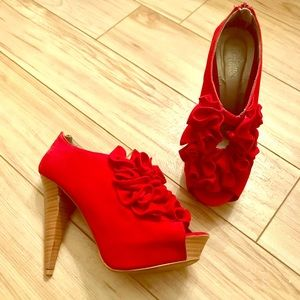The cutest red ruffle heels!